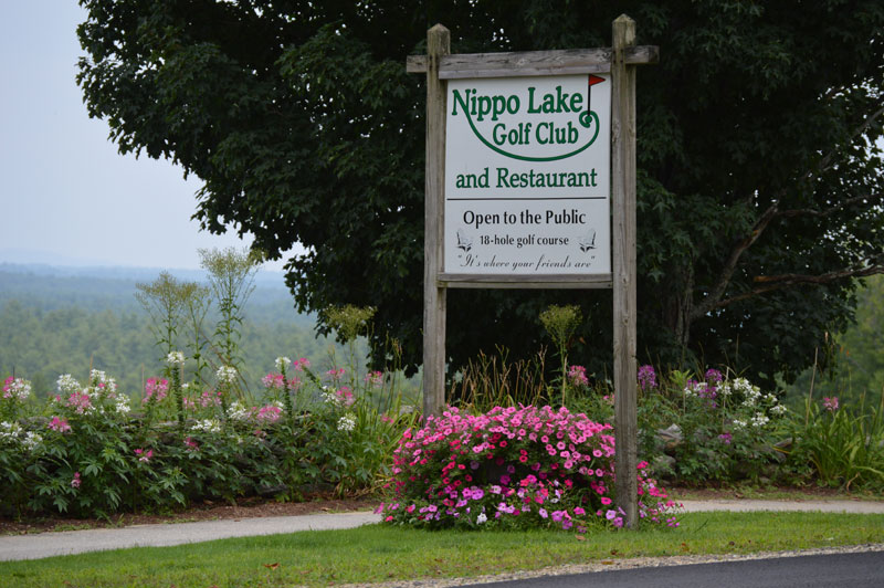 NLGCRestaurantSignFlowers